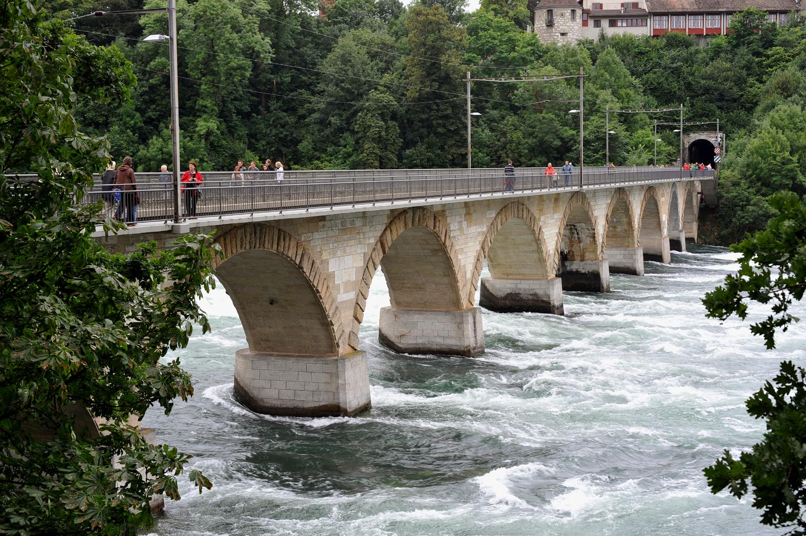 Rheinbrücke bei Laufen 2009
