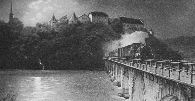 Rheinbrücke bei Laufen ca. 1900. Bild: Stadtarchiv
