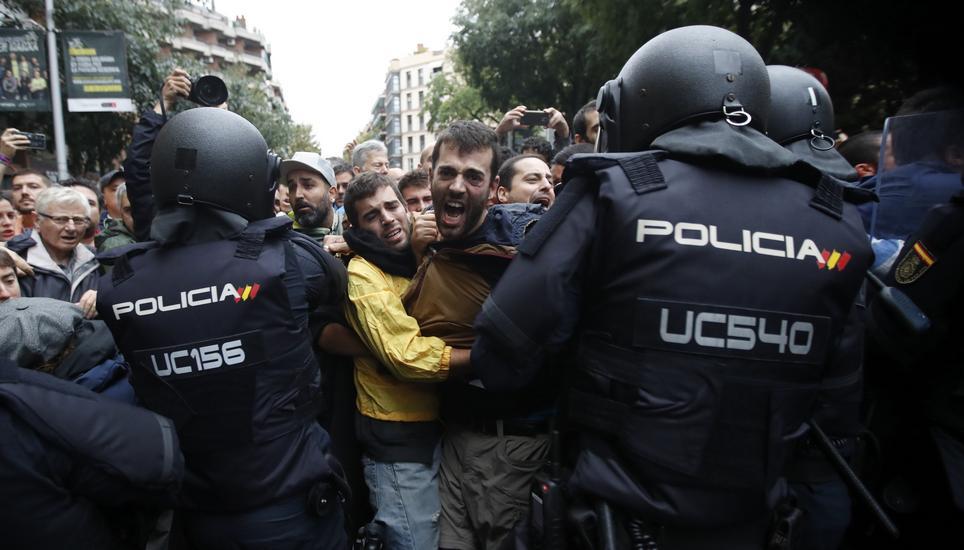 Regierungsvertreter entschuldigt sich für Polizeigewalt in Katalonien