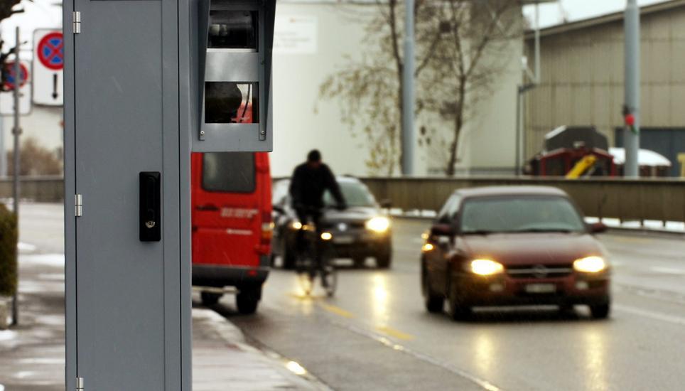 Wegen Schweizer Rasern: Tempolimit auf deutscher Autobahn